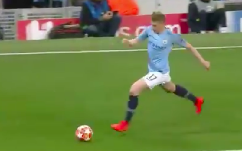 En dan doet Kevin De Bruyne plots dit bij Man City (VIDEO)