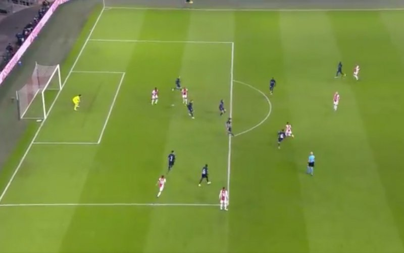 Ajax-wonderkind Gravenberch maakt fantastische goal in Champions League (VIDEO)
